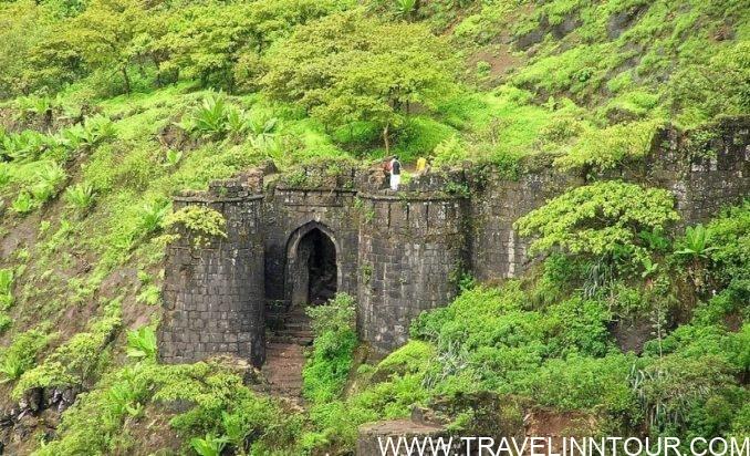 Tourist Places Near Pune Sinhagad Fort e1560241222893 - Best Tourist Places Near Pune You Can Visit By Bike