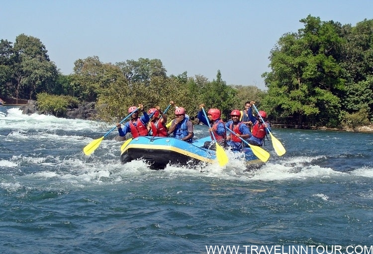 People enjoying River Rafting